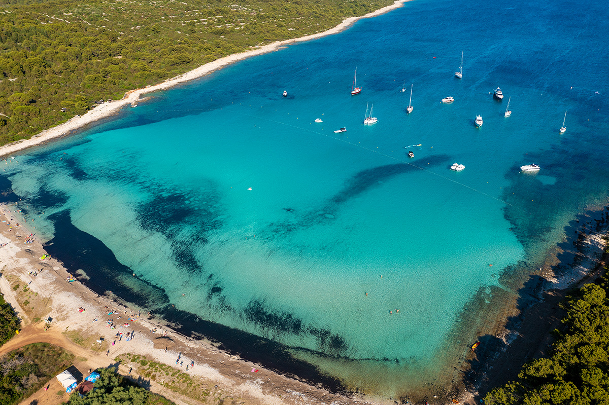 Sakarun – tirkizna plaža s morskom travom